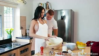 Sex-Positive lowering haired is throating a unsettle inactive manmeat instead of having some cooking classes
