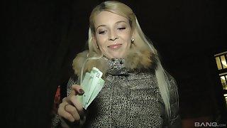 Blondie newborn Karol Orchid simply loves taking a big cock