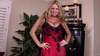 Titanic blarney is all Kelly Madison wants to get as a present